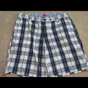 "Izod 40"" Shorts 100% Cotton 10"" Inseam Blue Plaid"
